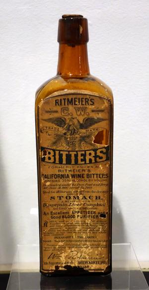 Ritmeier's C.W. Bitters, c. 1906.